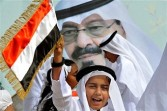 SAudi children greet King Abdullah on his return to Riyadh from medical treatment abroad feb 2011