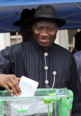 Nigerian president Goodluck Jonathan casts his vote on April 16