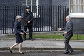Theresa May and Jean-Claude Juncker meet in Downing Street