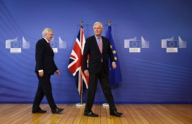 David David (left) and Michel Barnier