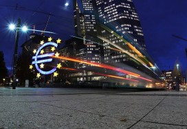 The giant Euro symbol stands illuminated outside the headquarters of the European Central Bank (ECB) on November 5, 2012 in Frankfurt, Germany (Photo by Hannelore Foerster/Getty Images)