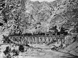 Steam locomotives on Devil's Gate Bridge during construction of the railways that formed the Transcontinental line