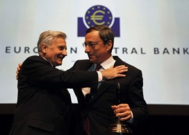 Trichet and Draghi at the Alte Oper. Image by Getty.