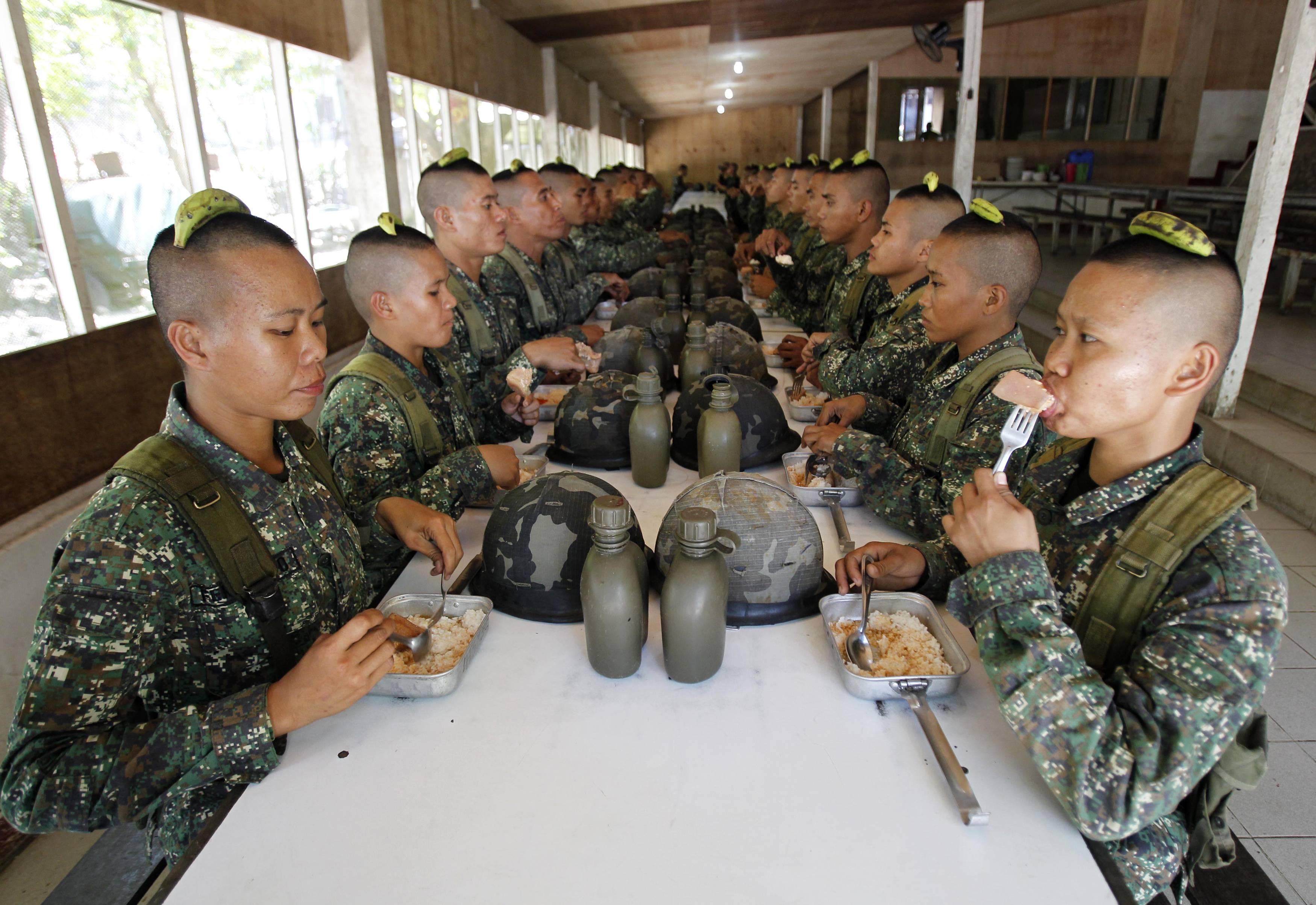 Солдаты в армии ебутся 22 фотография
