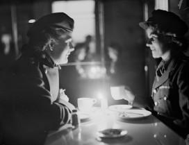 A postwar power cut; London 1947 (Photo by Reg Birkett/Keystone/Hulton Archive/Getty Images)