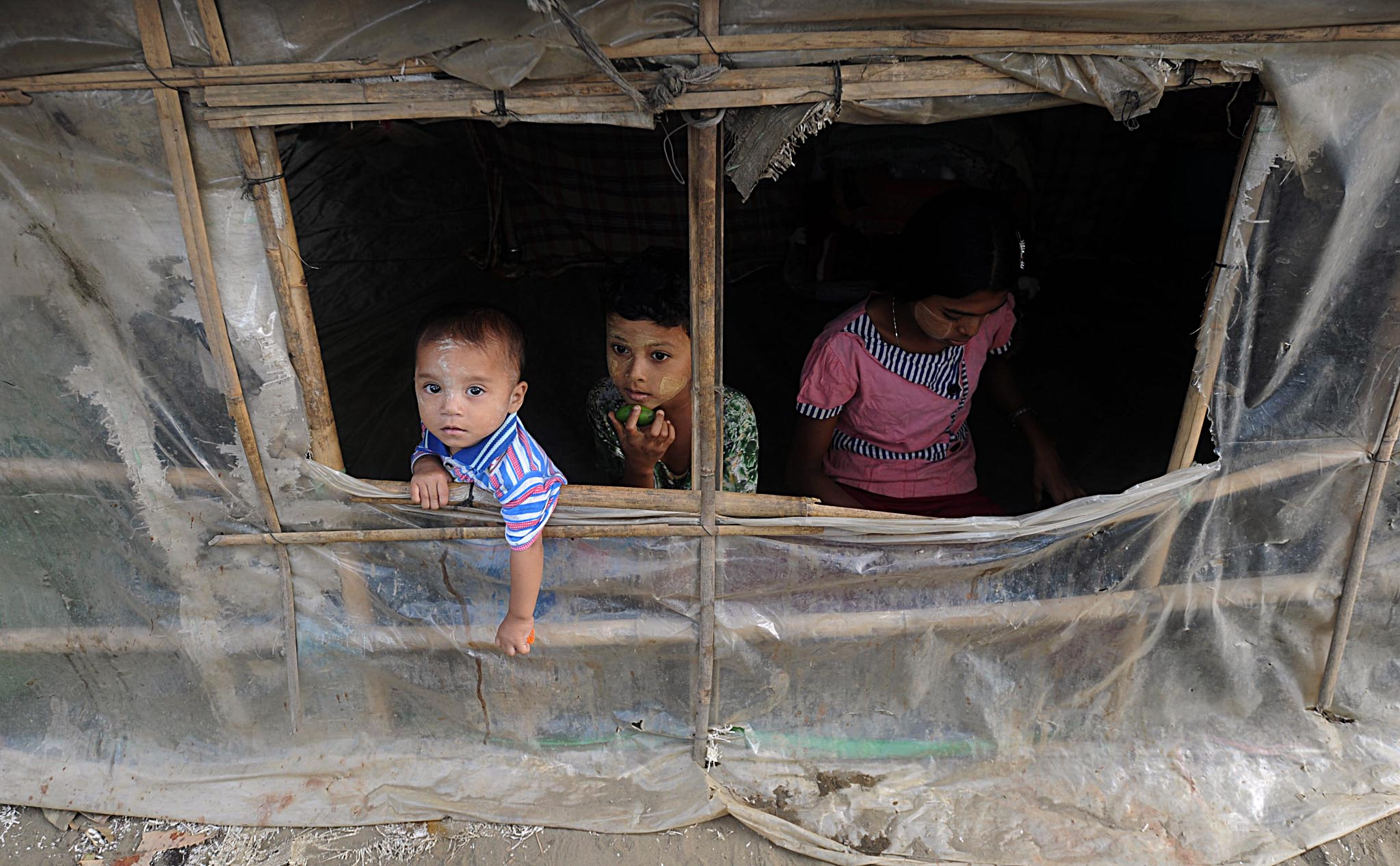 Internally displaced Muslims children