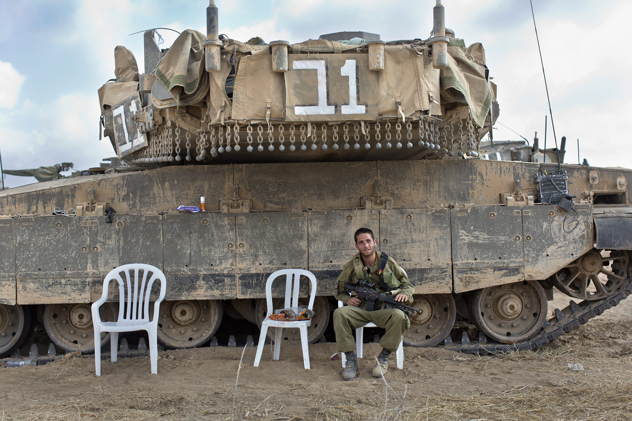 Israeli soldiers on Gaza Strip border