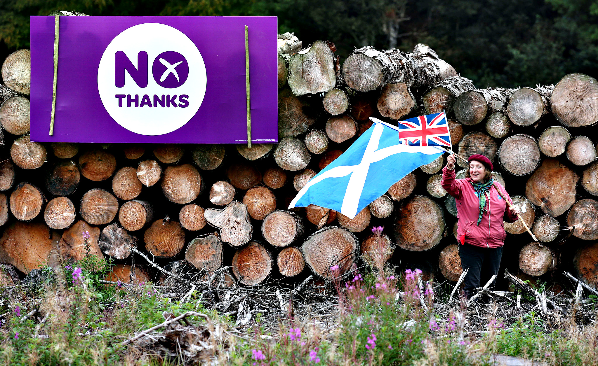 No campaigner Judy Shaw Stewart from Doune as she sits out at the A84 to protect vandalised NO Thanks signs  ahead of the Scottish Referendum on September 18th.  PRESS ASSOCIATION Photo. Picture date: Monday September 15, 2014.