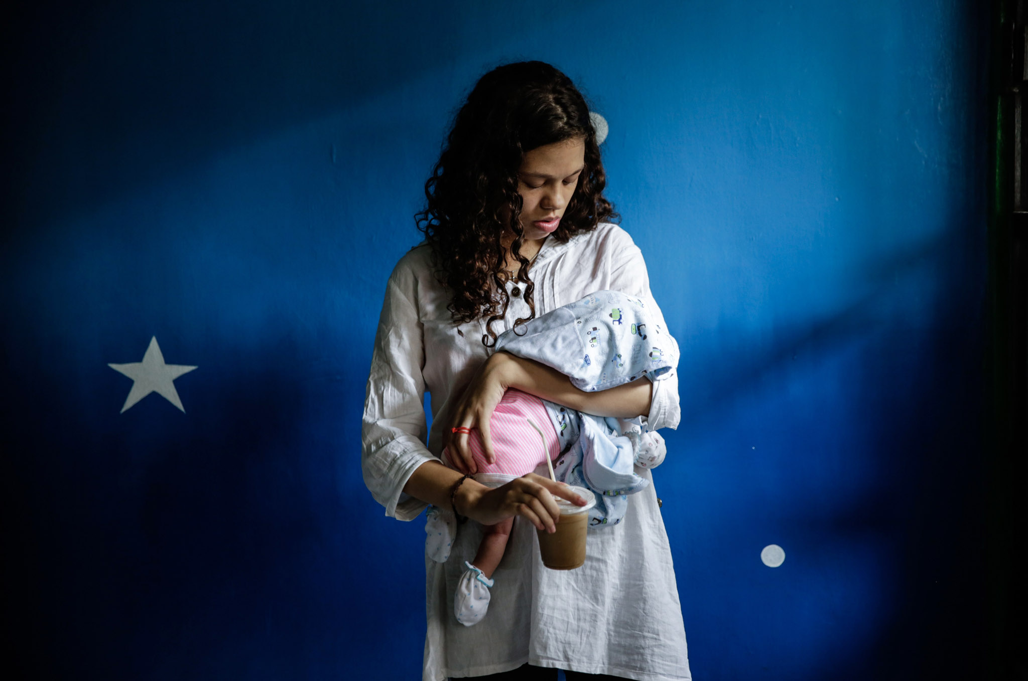 Heather Mack and Tommy Schaefer Arrive For Bali Murder Trial...DENPASAR, BALI, INDONESIA - MARCH 31: Heather Mack,19, of the US holds her baby in a cell before her sentence demand trial on March 31, 2015 in Denpasar, Bali, Indonesia. Indonesian prosecutors asked a court to sentence Heather Mack to 15 years and Tommy Schaefer to 18 years in jail. Tommy Schaefer and his girlfriend Heather Mack are accused of murdering Mack's mother, Sheila von Wiese-Mack, whose body was found stuffed inside a suitcase in the back of a taxi outside a luxury Bali hotel in August 2014. (Photo by Agung Parameswara/Getty Images)