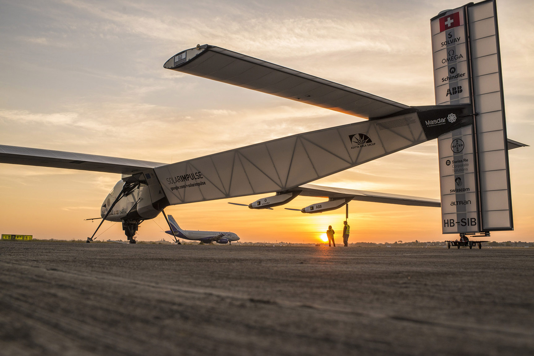 Solar Impulse on round-the-world tour