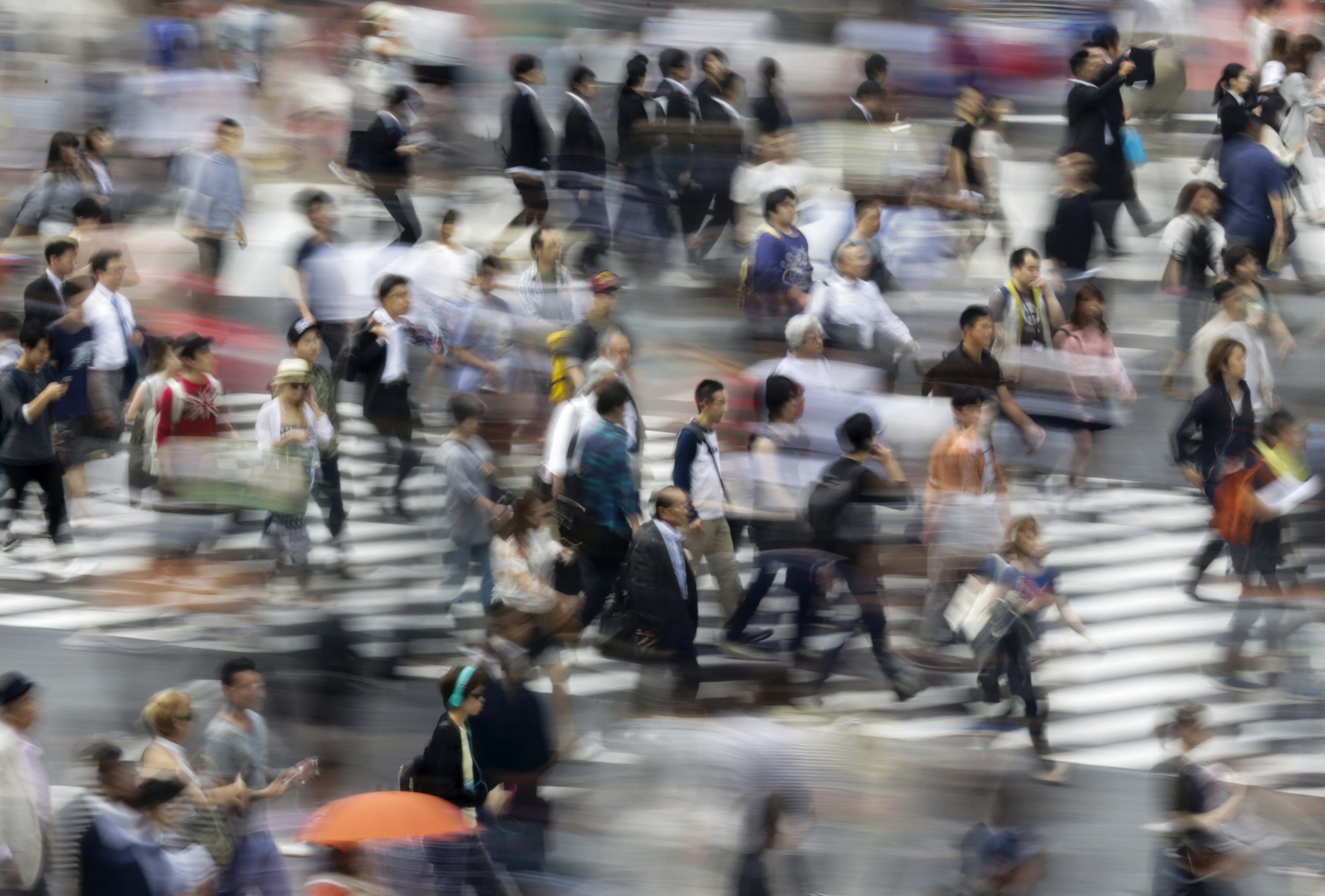 Japan's jobless rate down...epaselect epa04773238 A picture made available on 29 May 2015 shows pedestrians walking cross a crossway in Tokyo, Japan, 18 May 2015. Japan's job availability improved in April to its best level in about 23 years while the unemployment rate fell to lowest level in 18 years, the Ministry of Health, Labor and Welfare said on 29 May 2015. Japan's unemployment rate fell to 3.3 percent in April for the third straight month of decline, the government said Friday. The rate had stood at 3.4 percent in March. Medical and welfare services added 300,000 jobs to employ a total of 7.82 million, and the information and communication industry saw an increase of 150,000 employees to 2.09 million, the Ministry of Internal Affairs and Communications said. Meanwhile, the Ministry of Health, Labour and Welfare said the availability of jobs - measured as the ratio of job offers per job seeker - climbed to 1.17 in April from 1.15 in March.  EPA/KIMIMASA MAYAMA