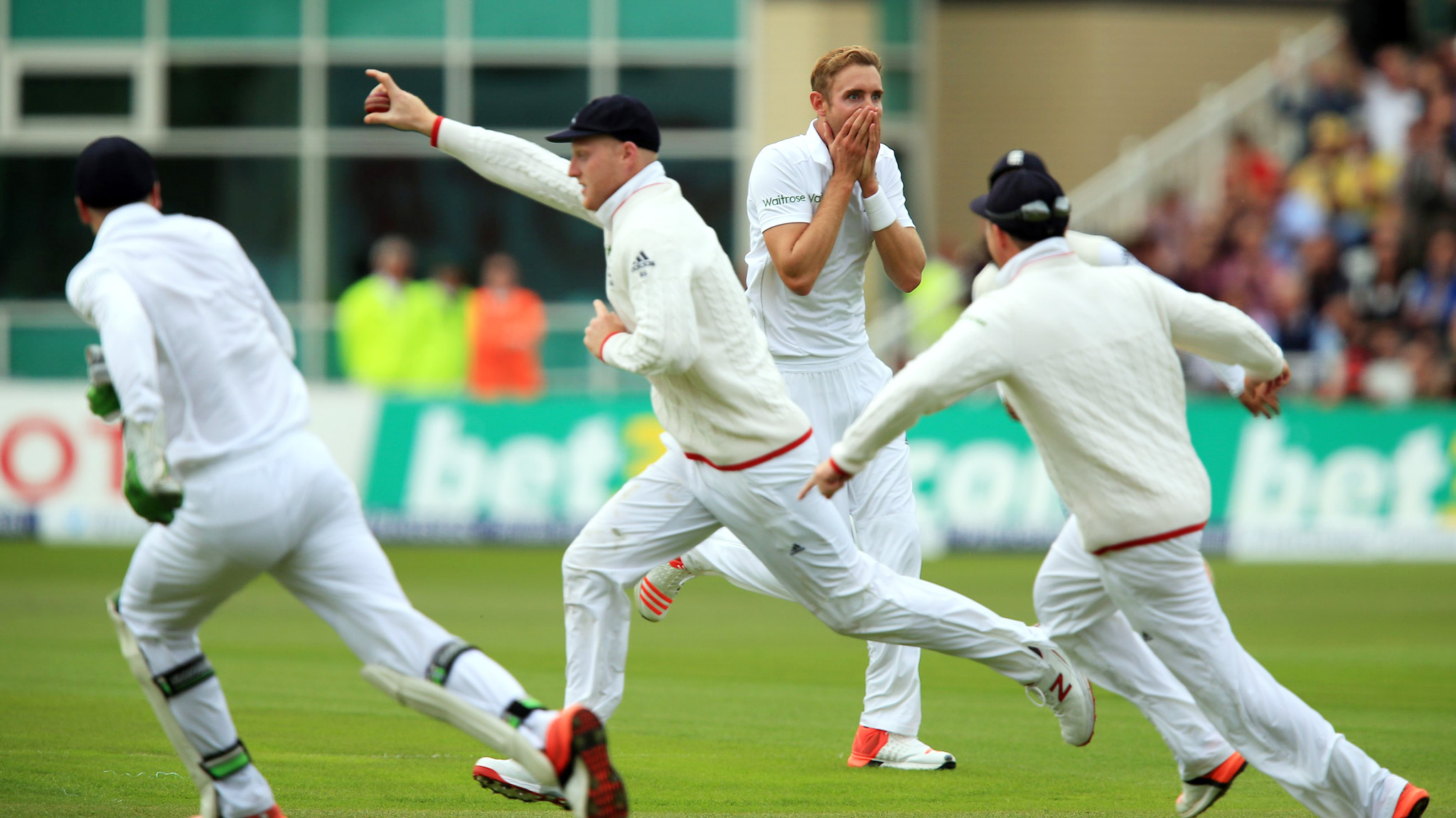 Cricket - Fourth Investec Ashes Test - England v Australia - Day One - Trent Bridge...England's Stuart Broad celebrates the wicket of Australia's Adam Voges  during day one of the Fourth Investec Ashes Test at Trent Bridge, Nottingham. PRESS ASSOCIATION Photo. Picture date: Thursday August 6, 2015. See PA story CRICKET England. Photo credit should read: Mike Egerton/PA Wire. Editorial use only. No commercial use without prior written consent of the ECB. Still image use only no moving images to emulate broadcast. No removing or obscuring of sponsor logos. Call +44 (0)1158 447447 for further information
