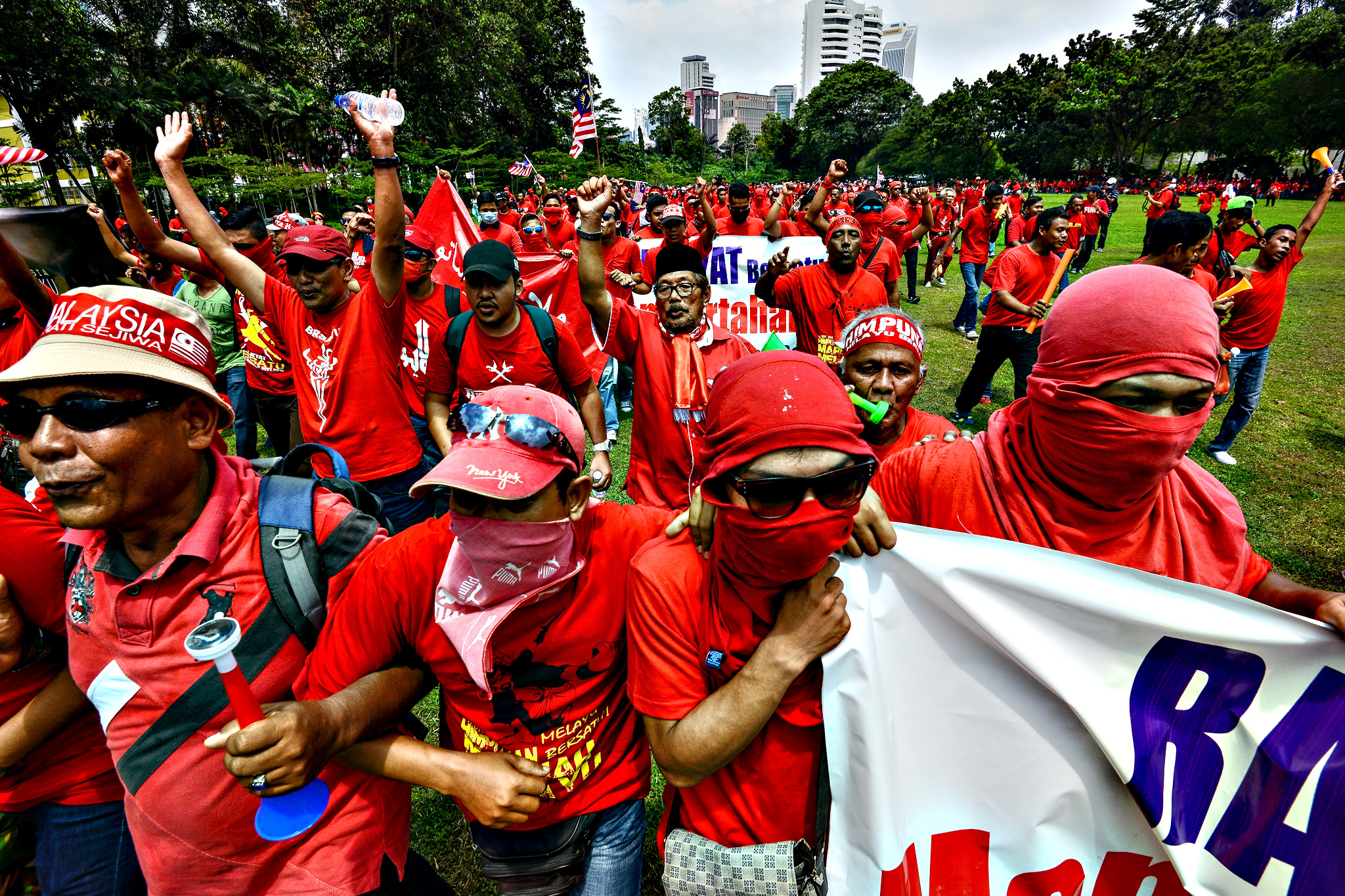 Pro-government 'red shirt' protestors stage a pro-government rally in Kuala Lumpur, Malaysia on Wednesday, Sept. 16, 2015. Thousands of ethnic Malays in red shirts held a rally Wednesday to uphold Malay dominance and support Malaysian Prime Minister Najib Razak s government, following calls for Najib to step down over a $700 million financial scandal