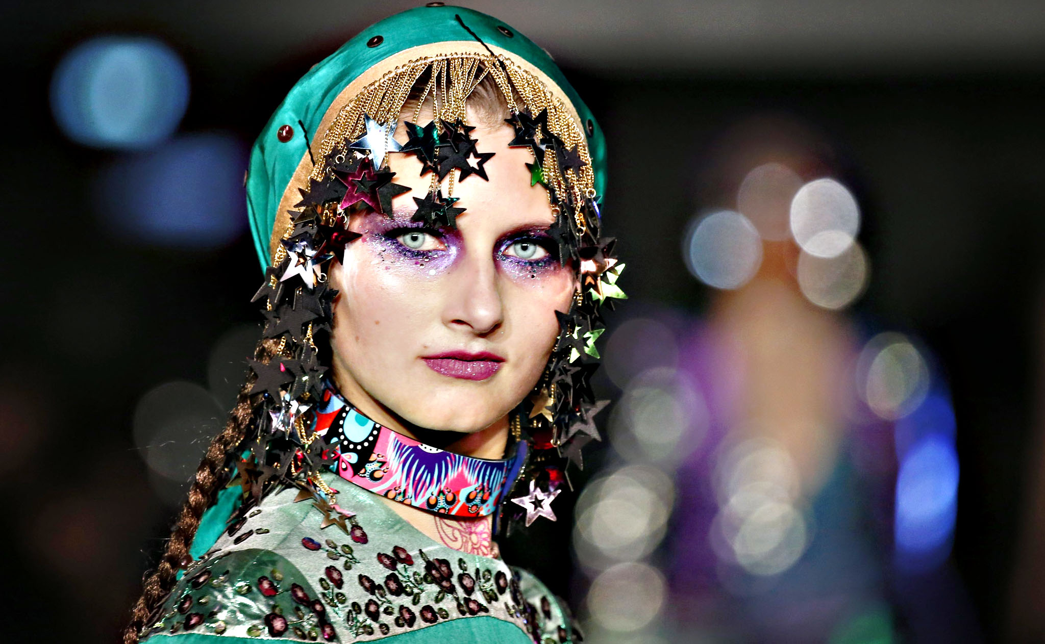 A model presents a creation by Indian designer Manish Arora as part of his Spring/Summer 2016 women's ready-to-wear fashion show in Paris, France, October 1, 2015.