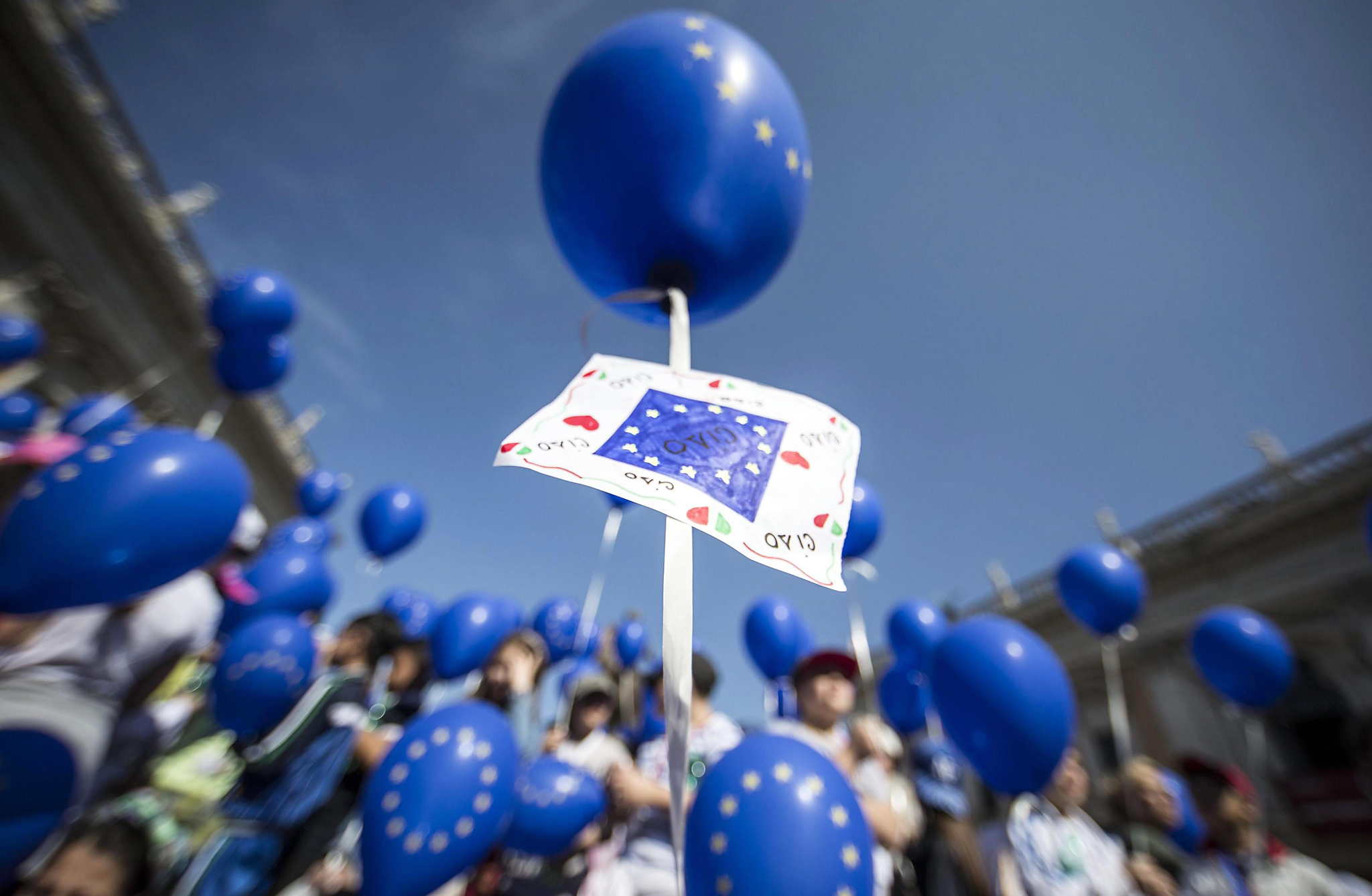 Europe Day in Rome...epa05296191 People take part in a ceremony on the occasion of the Europe Day in Rome, Italy, 09 May 2016. The Europe Day is aimed to celebrate peace and unity in the continent.  EPA/MASSIMO PERCOSSI