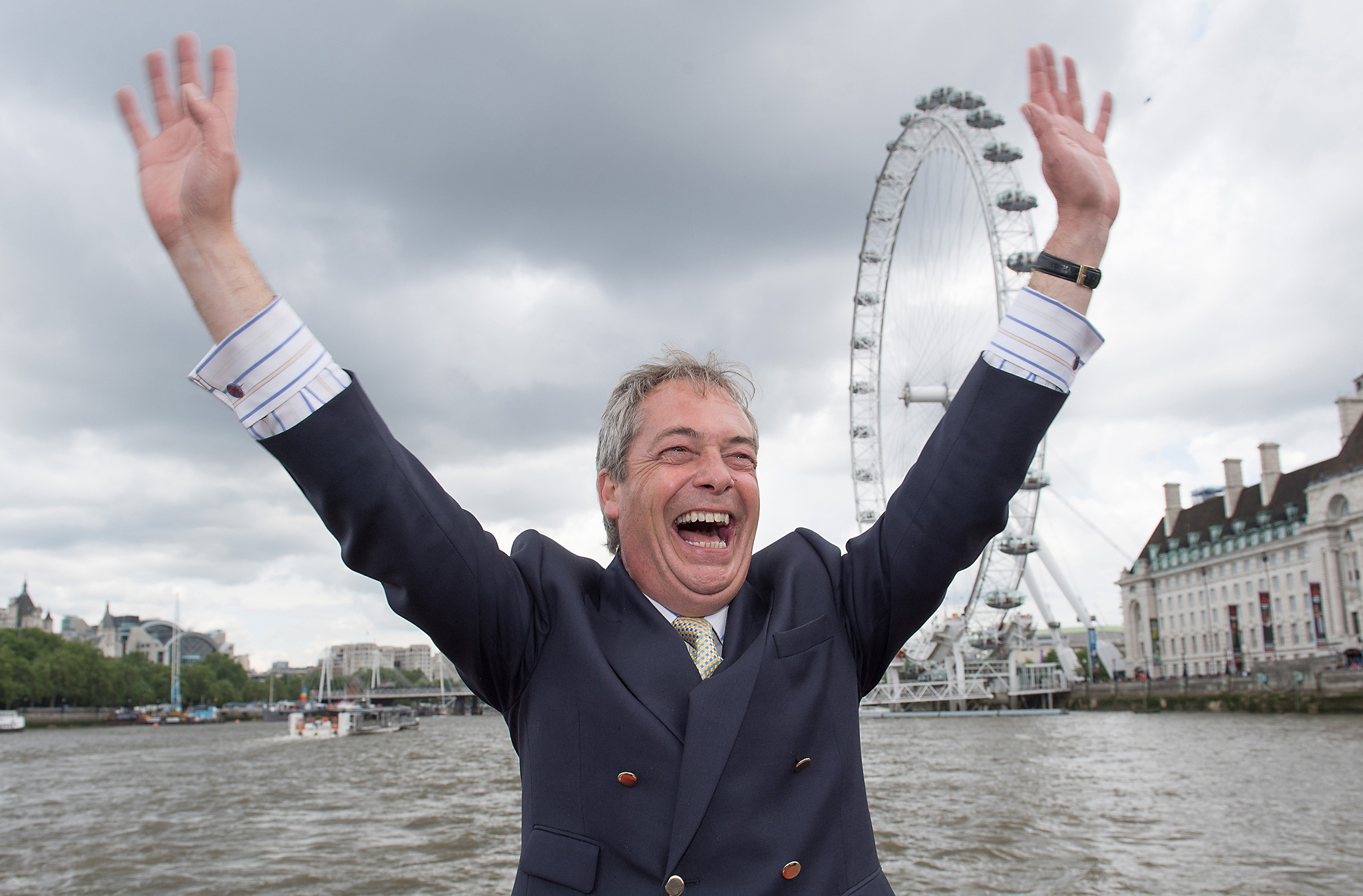 LONDON, ENGLAND - JUNE 15:  Nigel Farage, leader of the UK Independence Party shows his support for the 'Leave' campaign for the upcoming EU Referendum aboard a boat on the River Thames on June 15, 2016 in London, England.  Nigel Farage, leader of UKIP, is campaigning for the United Kingdom to leave the European Union in a referendum being held on June 23, 2016.  (Photo by Jeff Spicer