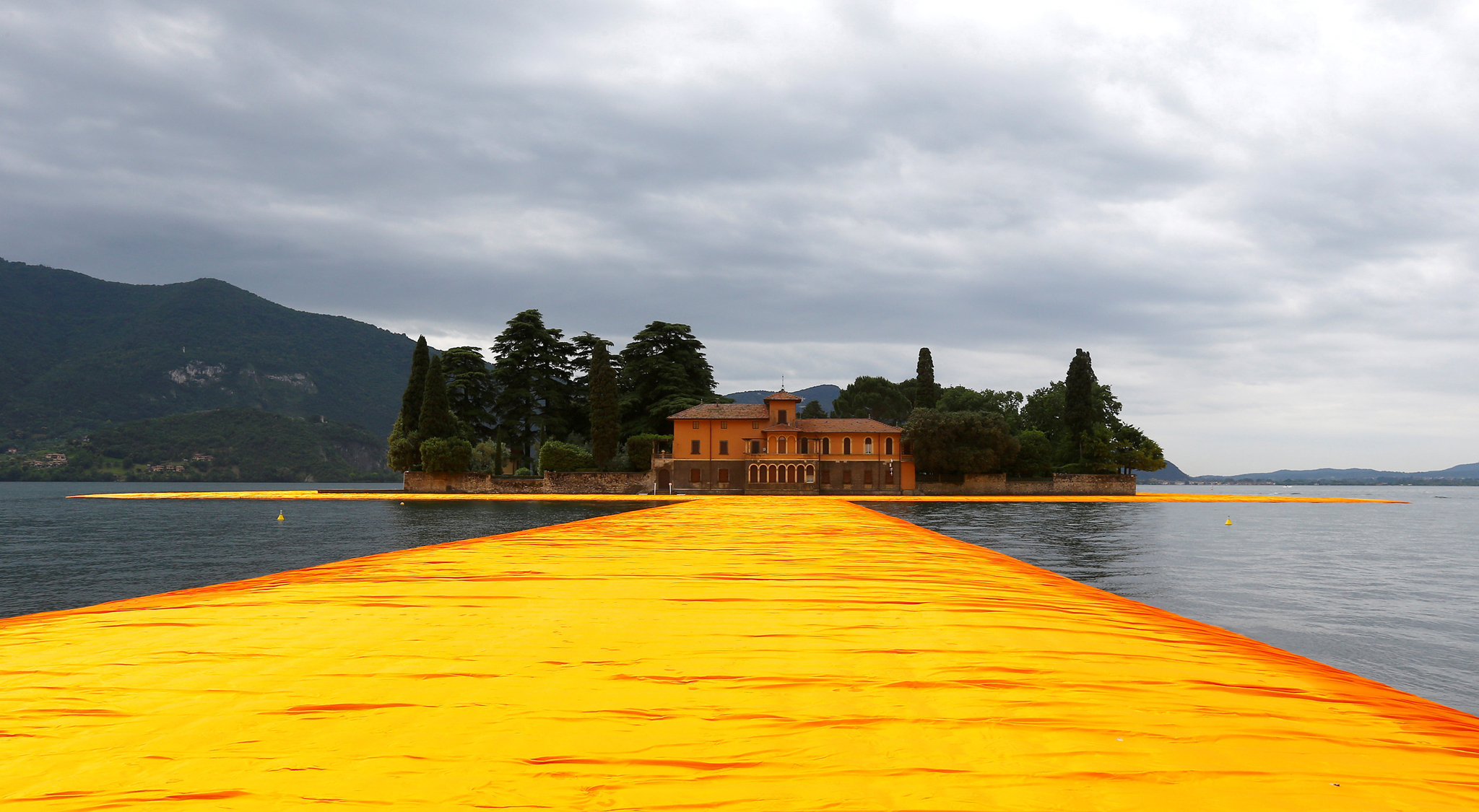 A view from the installation 'The Floating Piers' by Bulgarian-born artist Christo Vladimirov Yavachev known as Christo, on the Lake Iseo, northern Italy, June 16, 2016.REUTERS/Stefano Rellandini