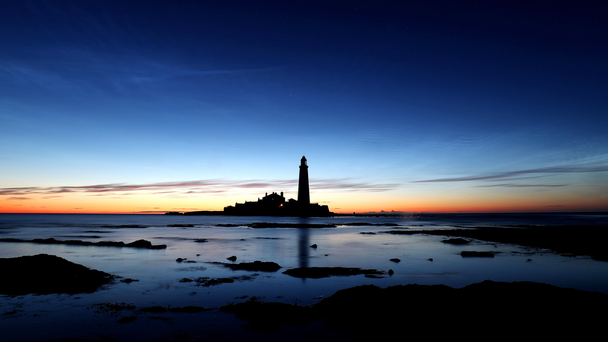 A shot of St Mary's lighthouse at 3am this morning, just before first light. PRESS ASSOCIATION Photo. Picture date: Wednesday July 6, 2016. Photo credit should read: Owen Humphreys/PA Wire