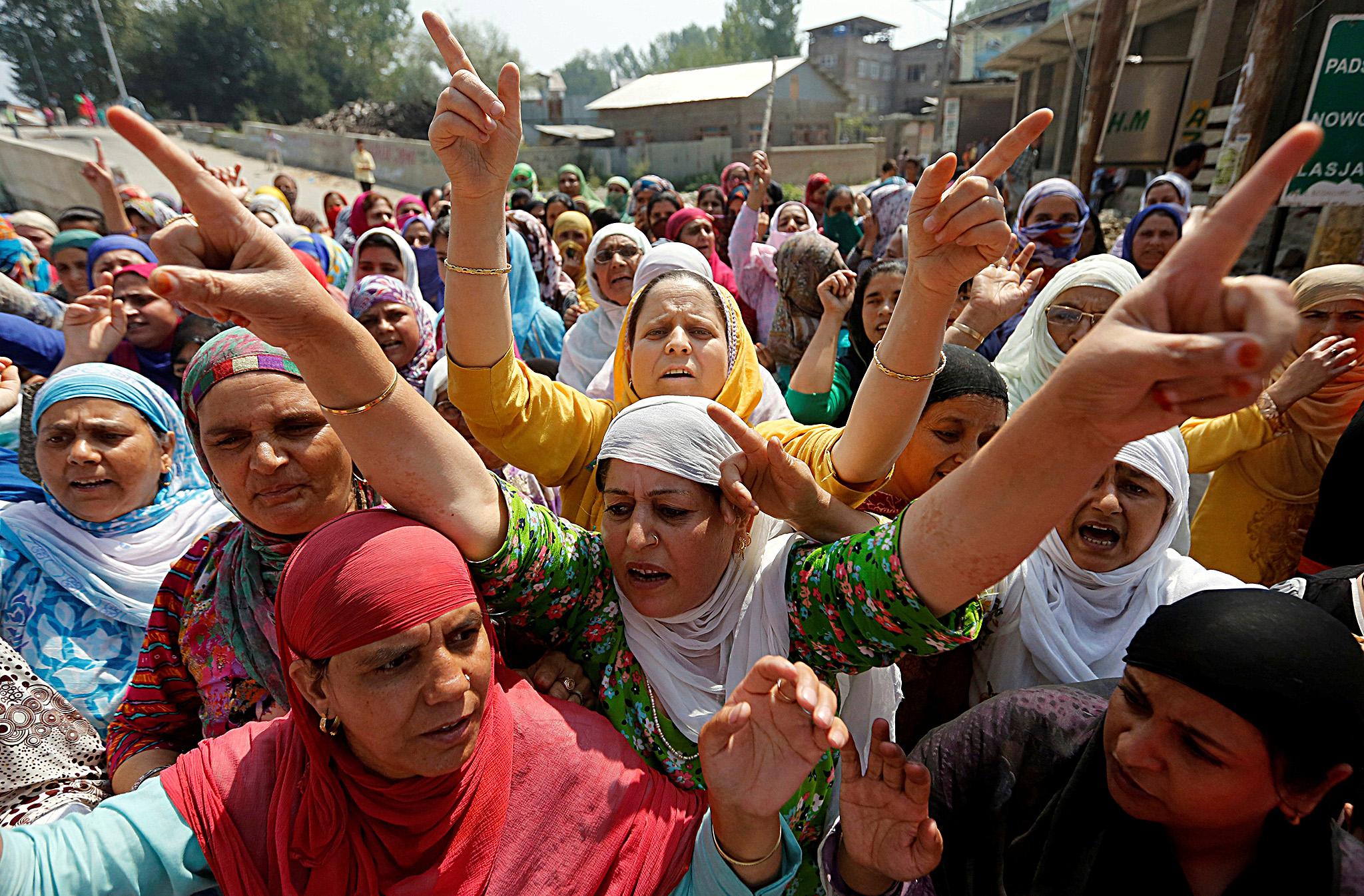 Women shout slogans during a protest in Srinagar, against the recent killings in Kashmir, September 7, 2016. REUTERS/Danish Ismail