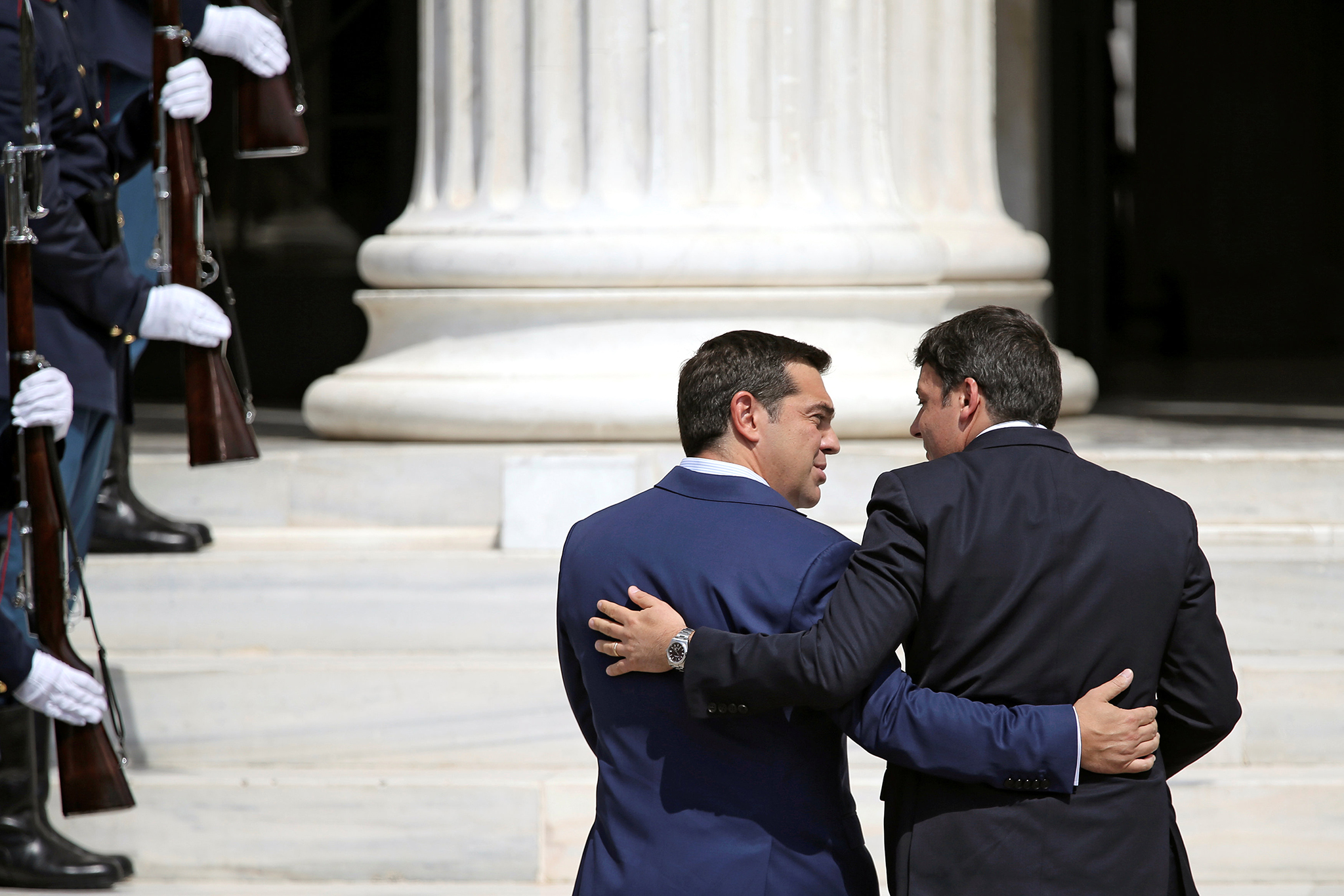 Greek Prime Minister Alexis Tsipras welcomes Italian Prime Minister Matteo Renzi for a summit of southern European states at Zappeion Hall in Athens, Greece, September 9, 2016. REUTERS/Alkis Konstantinidis     TPX IMAGES OF THE DAY