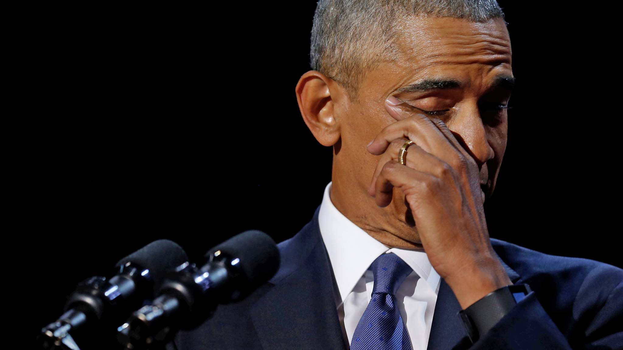 Obama wipes away tears as he delivers his farewell address in Chicago
