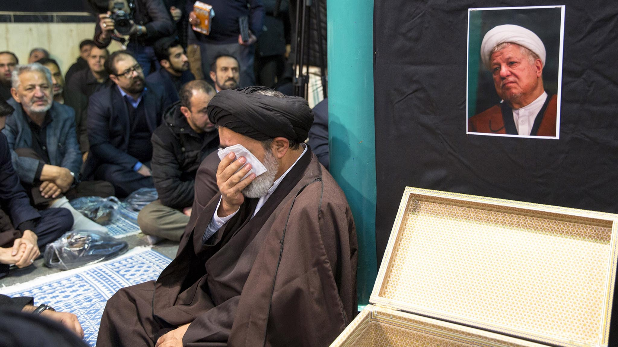 Iran Pays Its Respects to Former President Rafsanjani