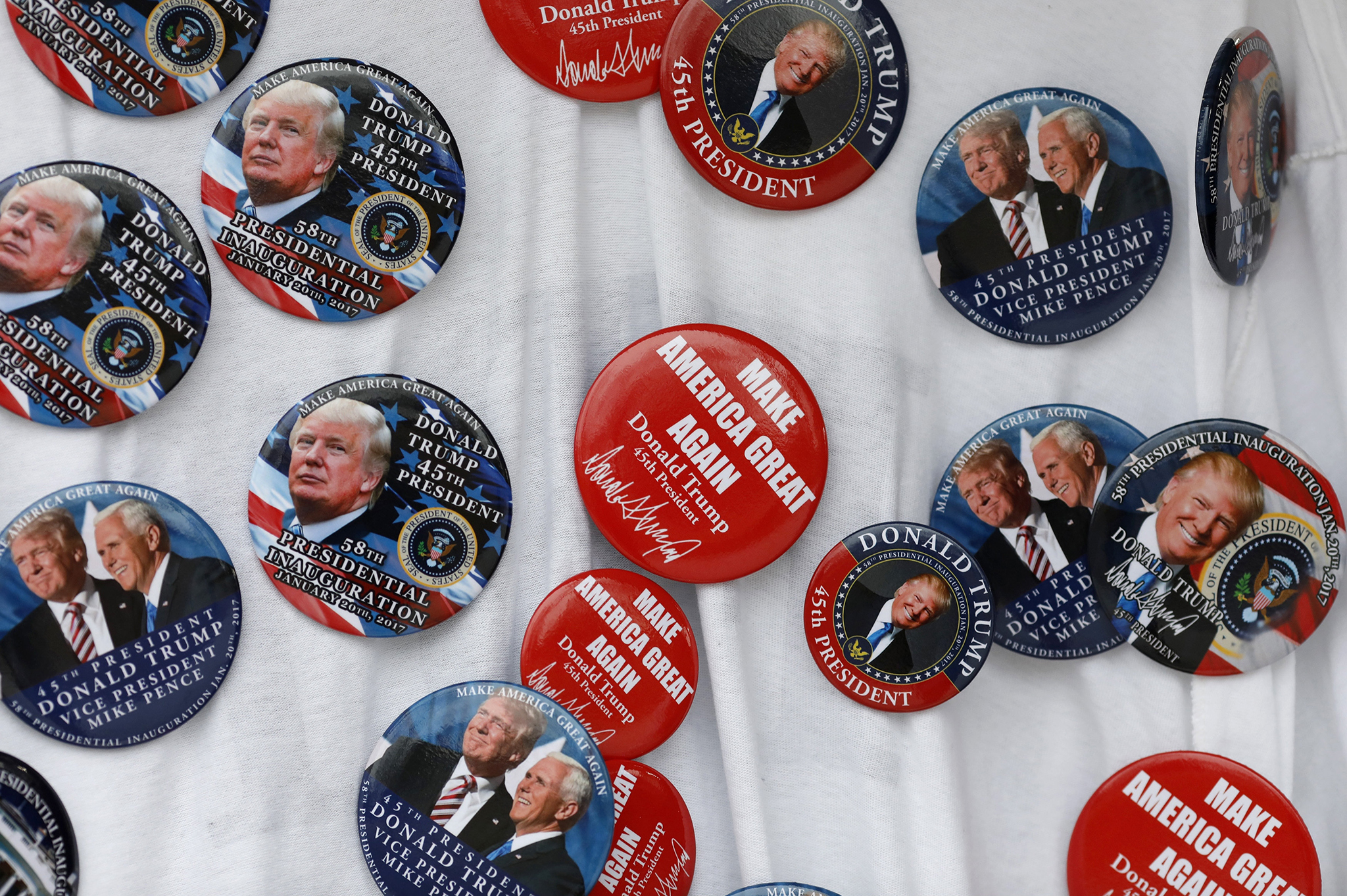Inauguration merchandise is seen near the White House January 16, 2017 in Washington, DC. Authorities expect tens of thousands of supporters and protesters to descend on Washington for Friday's Inauguration ceremony.  (Photo by Aaron P. Bernstein/Getty Images)