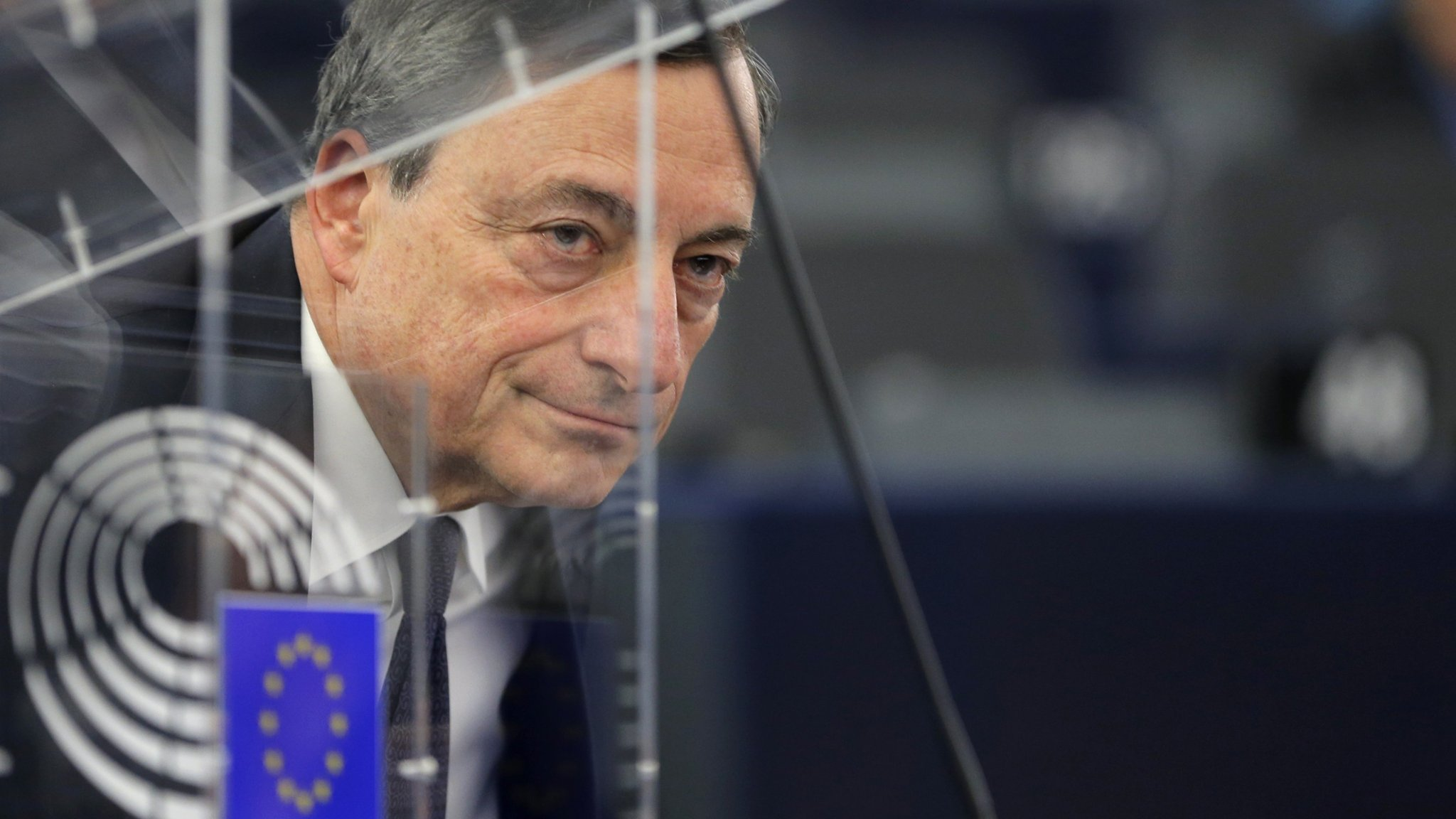 Draghi behind EU symbol