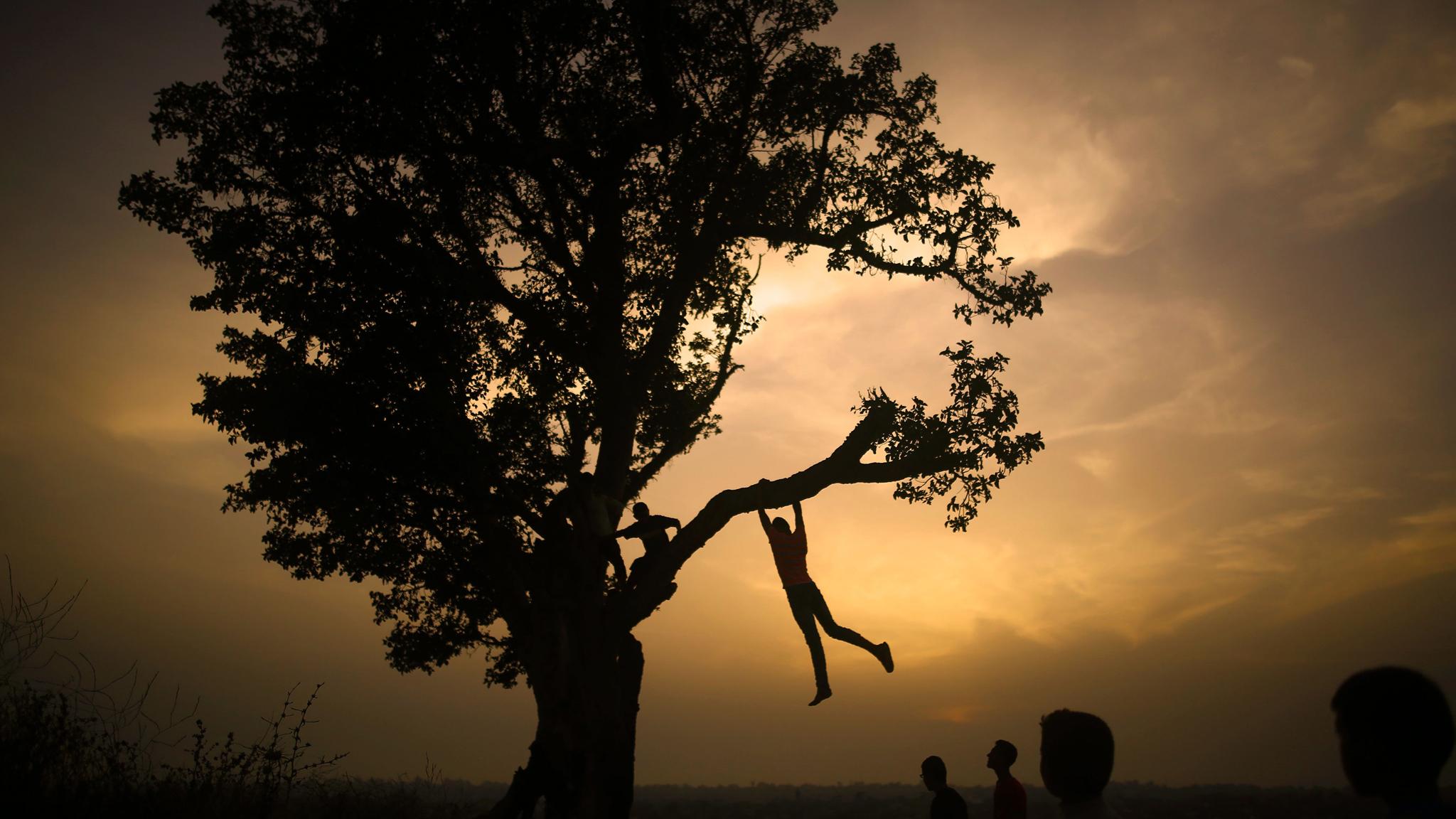 Children play at Jabalia refugee camp | Financial Times