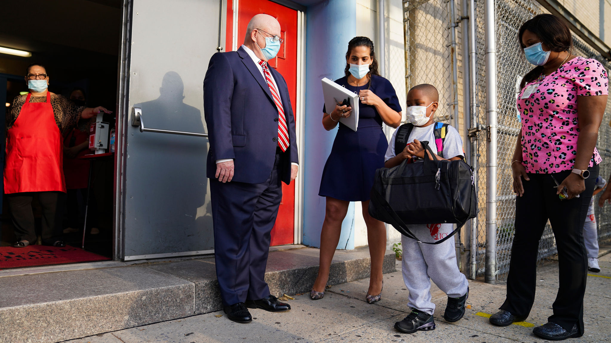 Coronavirus Nyc Delays Start Date For In Classroom Learning Again As It Happened Financial Times